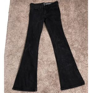 Mid Rise Flare Jeans In Black